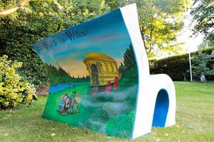 bookbench2