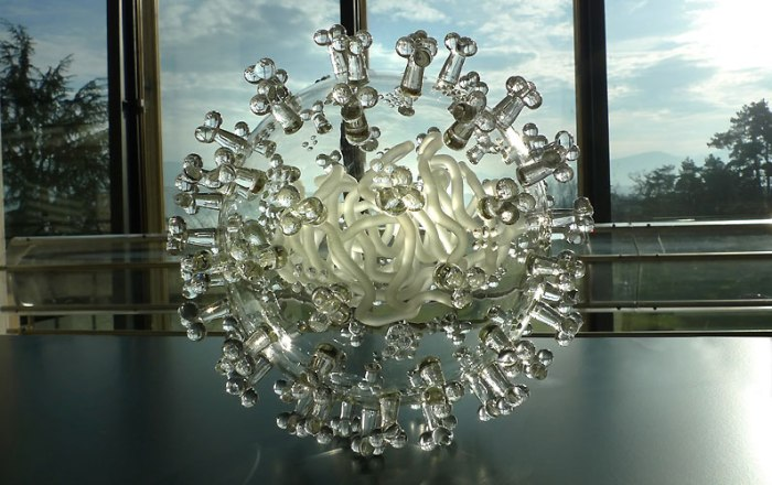 luke jerram swineflu spherical2