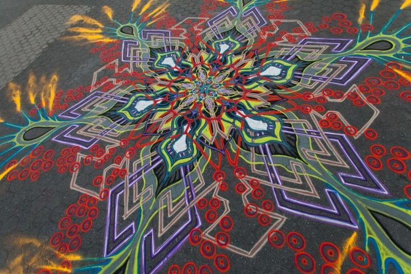 Joe Mangrum Sand Painting 3