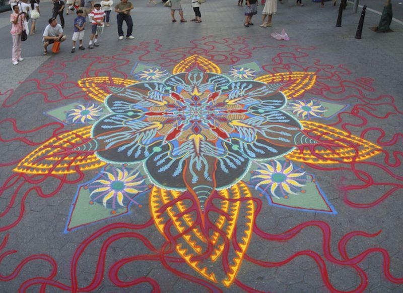 Joe Mangrum Sand Painting UnionSq 2
