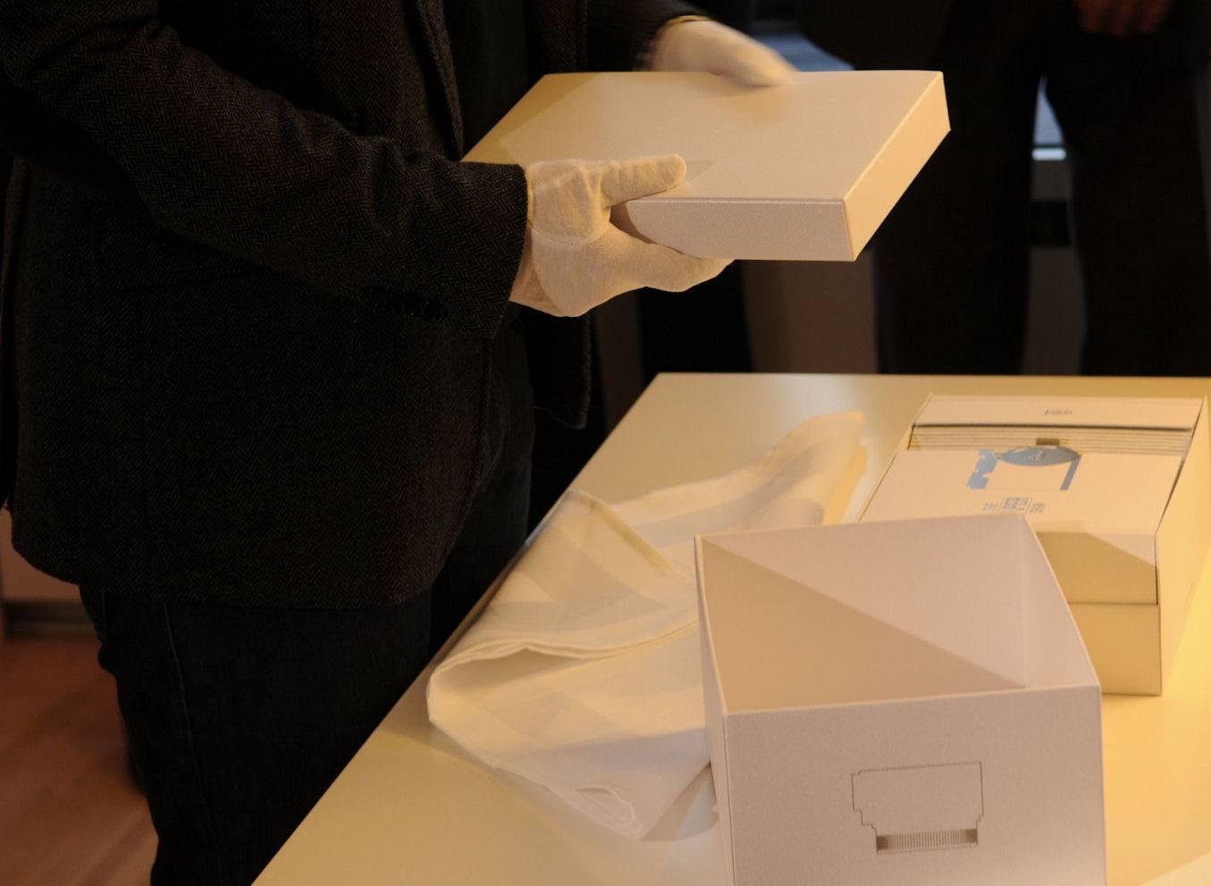 Leica Paper Skin Fedrigoni 11