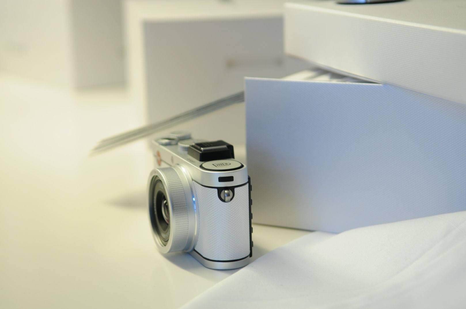 Leica Paper Skin Fedrigoni 15