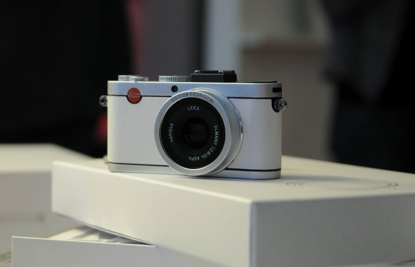 Leica Paper Skin Fedrigoni 16