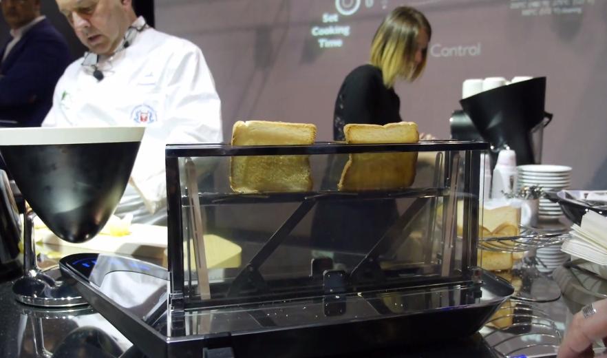Bugatti_Noun_Toaster_2